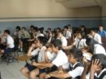 Suasana presentasi di SMP Tunas Bangsa, ruangannya terletak di lantai 3. Otomatis, kami cukup kelelahan.. Fiuhh..
